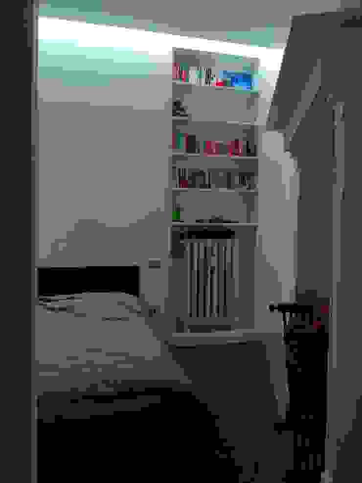 gk architetti (Carlo Andrea Gorelli+Keiko Kondo) Minimalistische Schlafzimmer