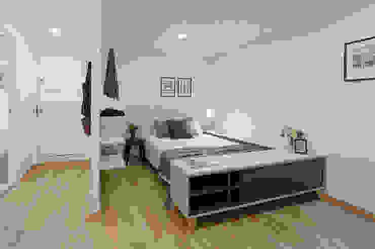 Moderno y acogedor - Interiorismo y Home Staging en Barcelona Dormitorios de estilo escandinavo de Dekohuset Escandinavo