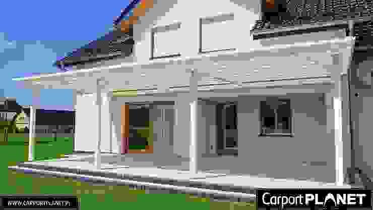 Carport Planet Classic style balcony, veranda & terrace