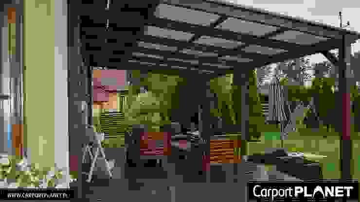 Carport Planet Modern balcony, veranda & terrace