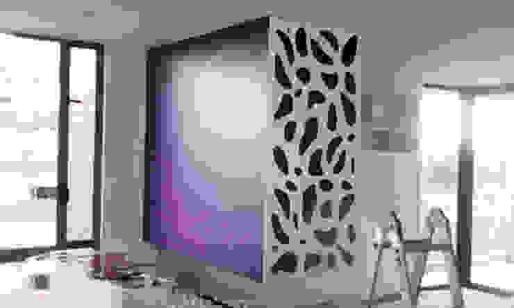 piel para chimenea 1 Salas modernas de Omar Interior Designer Empresa de Diseño Interior, remodelacion, Cocinas integrales, Decoración Moderno Madera Acabado en madera