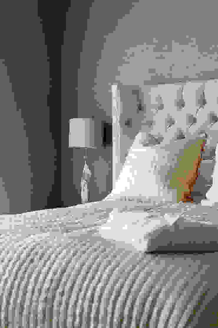 Penthouse interior by SMB Interior Design SMB Interior Design Ltd Modern style bedroom