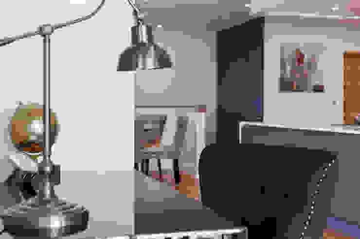 Penthouse interior by SMB Interior Design SMB Interior Design Ltd Modern study/office