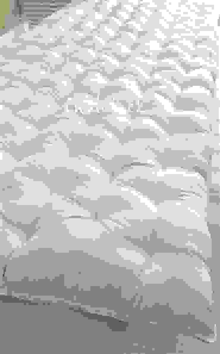 ที่นอนญี่ปุ่น เบาะนอนสไตล์ญี่ปุ่นฟุตง traditional japanese futon bed: ที่เรียบง่าย  โดย chalaluck, มินิมัล