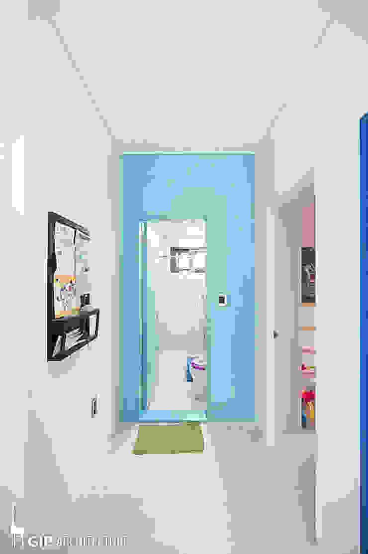 現代浴室設計點子、靈感&圖片 根據 GIP 現代風