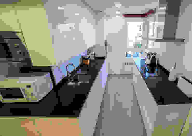 現代廚房設計點子、靈感&圖片 根據 Vivienda Sana 現代風