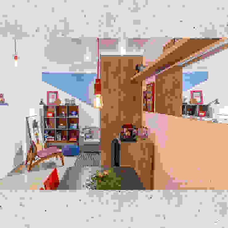 Sala de Jantar/Estar Salas de jantar ecléticas por CASARIN MONTEIRO ARQUITETURA & INTERIORES Eclético Concreto