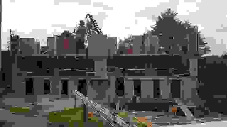 TOWNHOUSE LA RIBERA VILLARRICA de AEG Arquitectura, Asesoría y Construcción. Clásico
