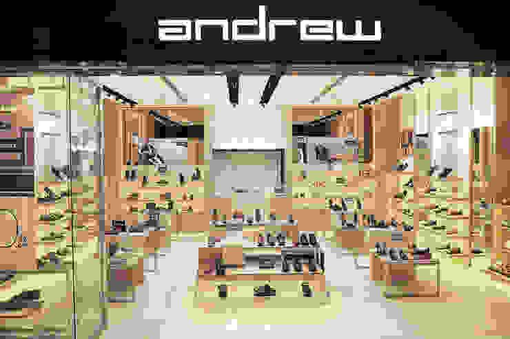 Andrew SMS Ruang Komersial Modern Oleh Mendekor Modern