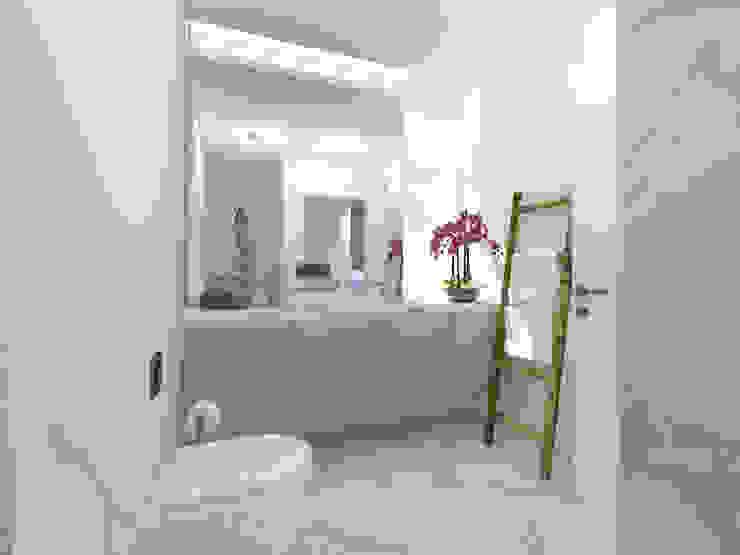 Bathroom by núcleo B arquitetos