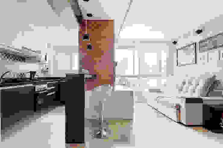 Camila Chalon Arquitetura Living room Grey