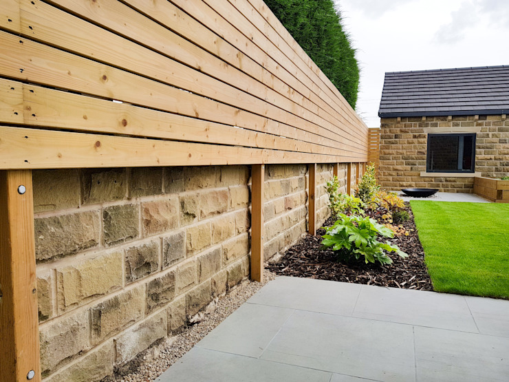 Horizontally Boarded Fence Yorkshire Gardens Taman Modern