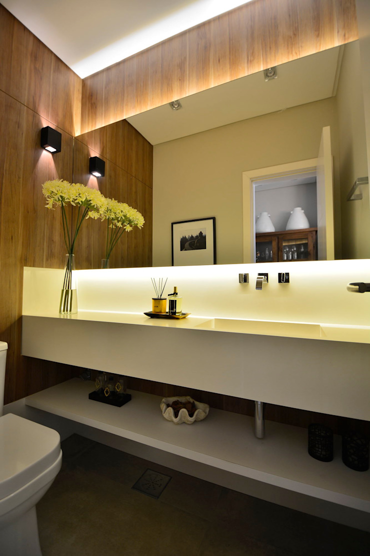 Modern bathroom by Stúdio Márcio Verza Modern Marble