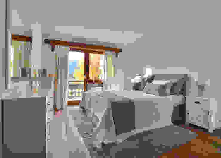 Schlafzimmer beige von Select Living Interiors Rustikal