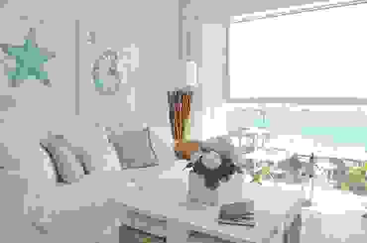 Wohnzimmer Mediterian von Select Living Interiors Mediterran