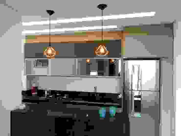 Ambiento Arquitetura Kitchen units Granite Black