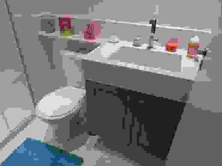 Ambiento Arquitetura Modern bathroom Wood Blue