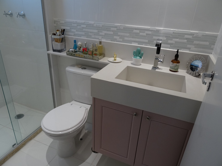 Ambiento Arquitetura Modern bathroom Wood Purple/Violet