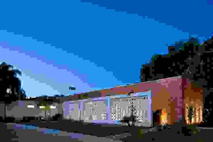 Residência mrl por CBR Arquitetura Ltda.