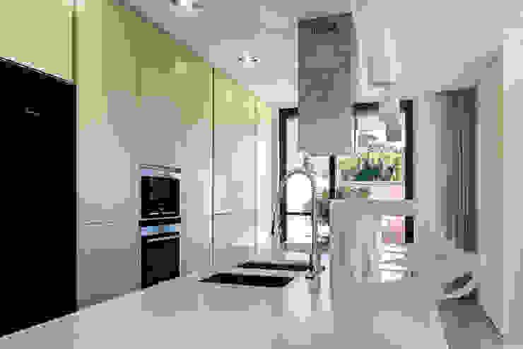 Moderne Küchen von Bruno Braumann - Fotografia de Arquitectura e Interiores Modern