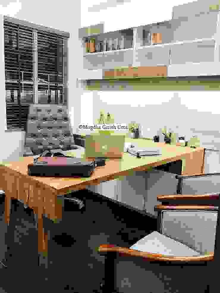 Office Minimalist offices & stores by Mugdha Girish Uma Minimalist
