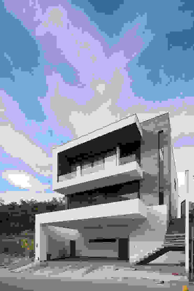 CASA EC de Nova Arquitectura Moderno