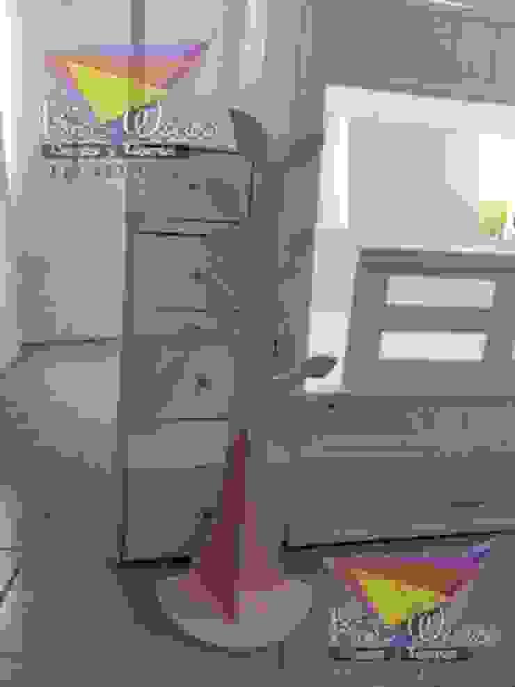 Percherito en forma de árbol de camas y literas infantiles kids world Moderno Derivados de madera Transparente
