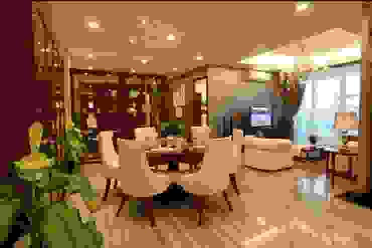 Apartment luxury:modern  oleh Magna Mulia Mandiri, Modern