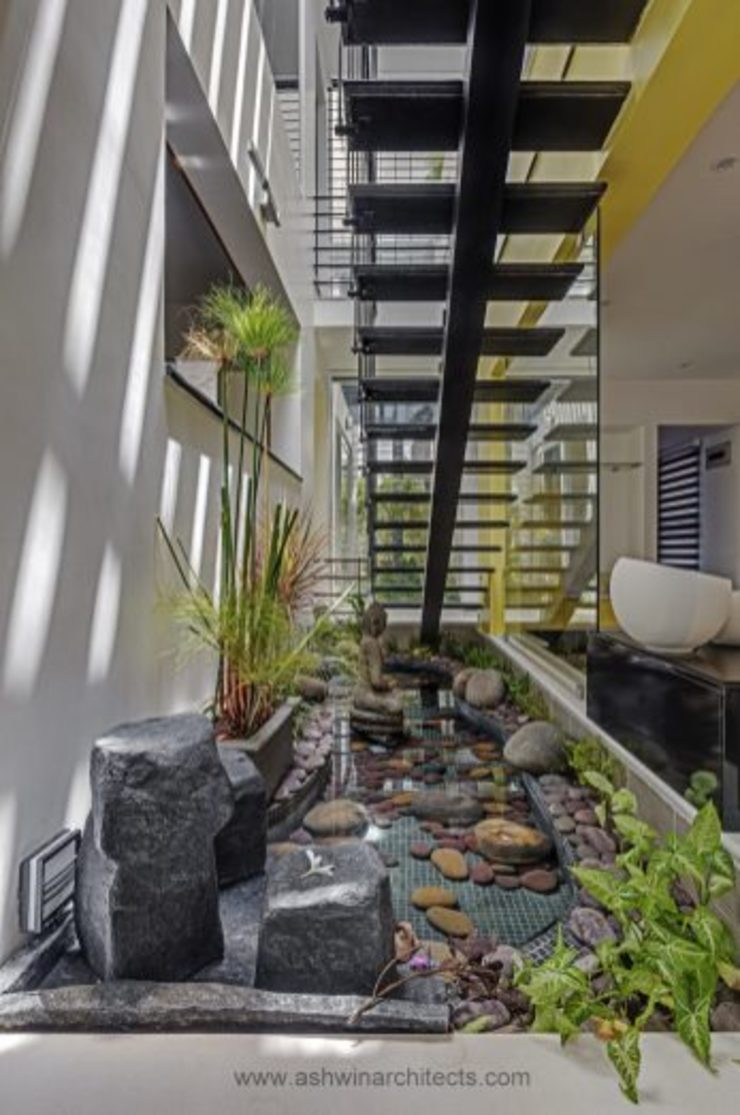 The Daylight Home | Luxurious 40×60 West Facing House Plans Design Modern garden by Ashwin Architects In Bangalore Modern