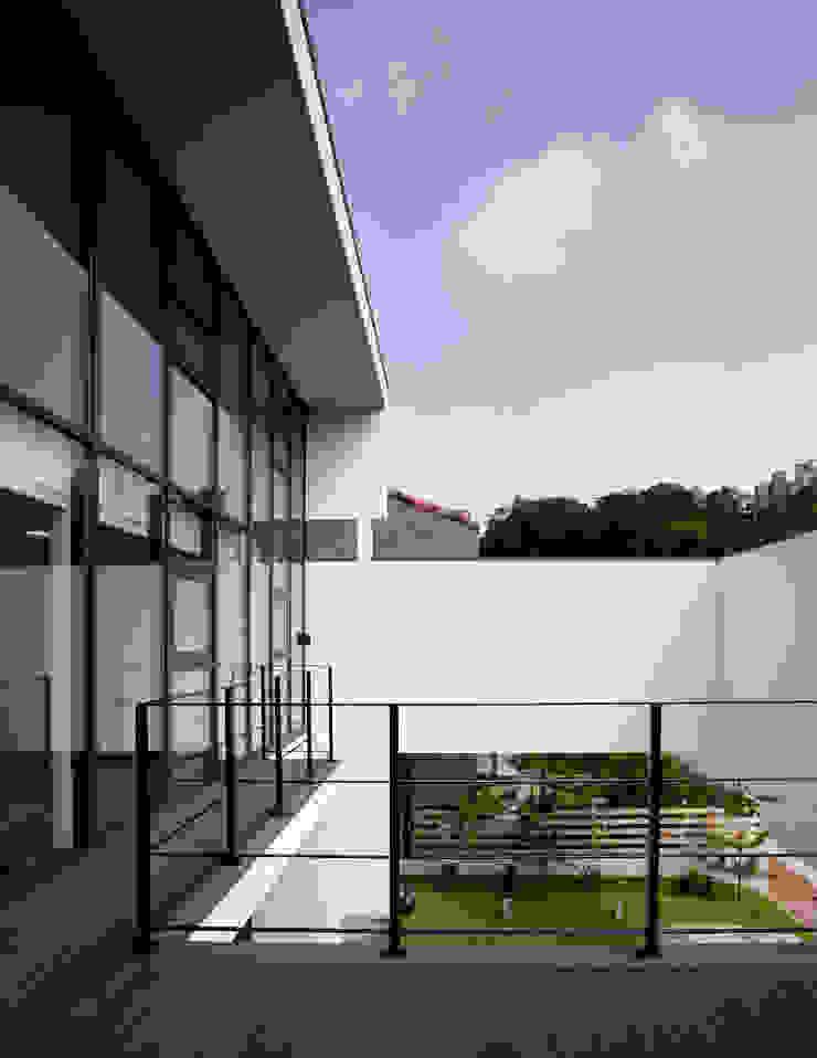 HOUSE DAM 디자인그룹 콜라보 지붕