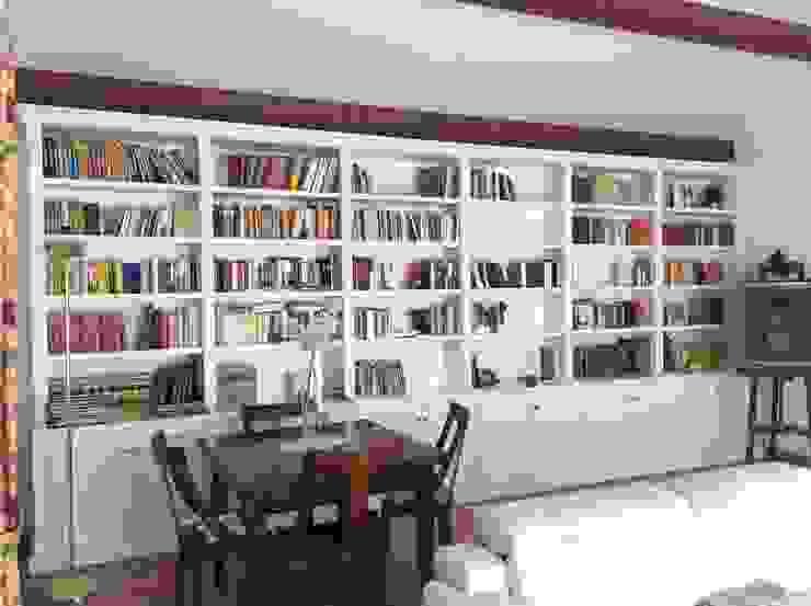 Legno Laccato Su Misura.Librerie Classiche Laccate Bianche By Falegnameria Su Misura Homify