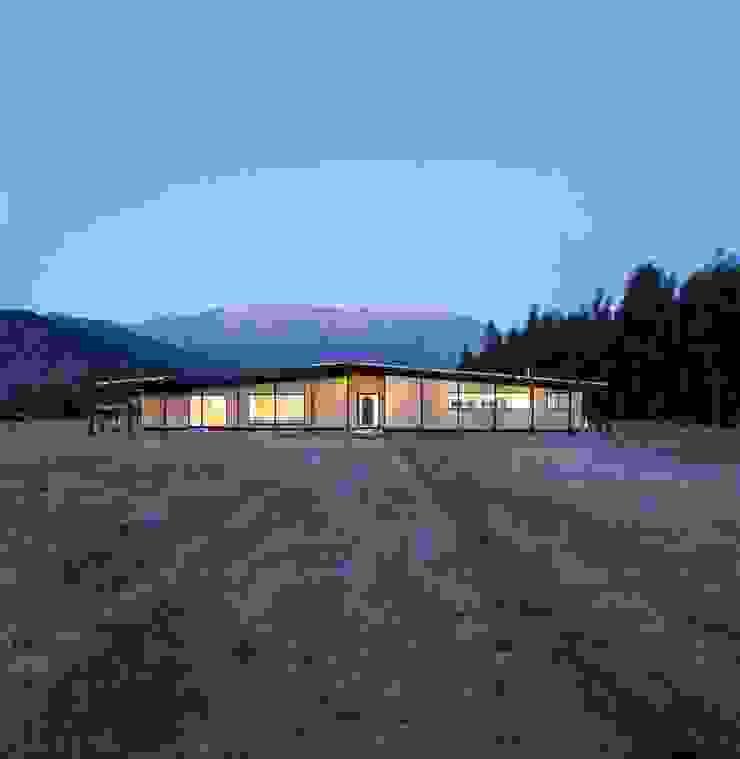 Casa Picarquín de Crescente Böhme Arquitectos Minimalista Madera Acabado en madera