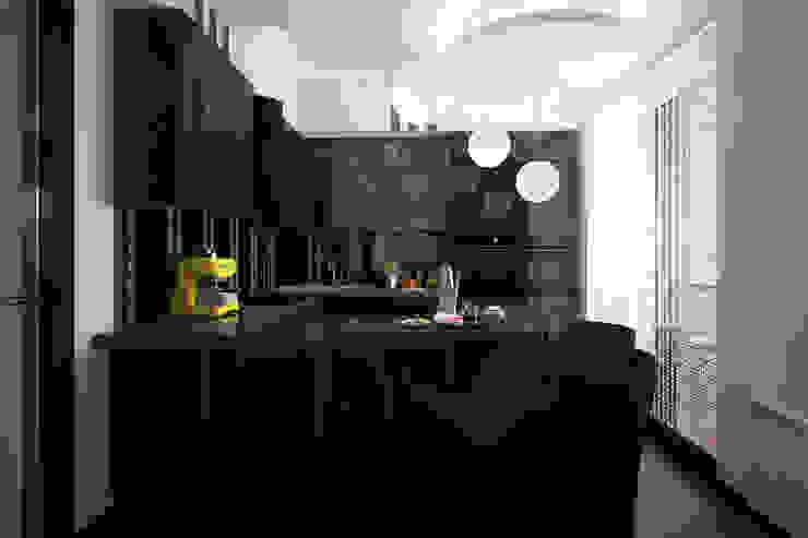 Modern kitchen by Вира-АртСтрой Modern