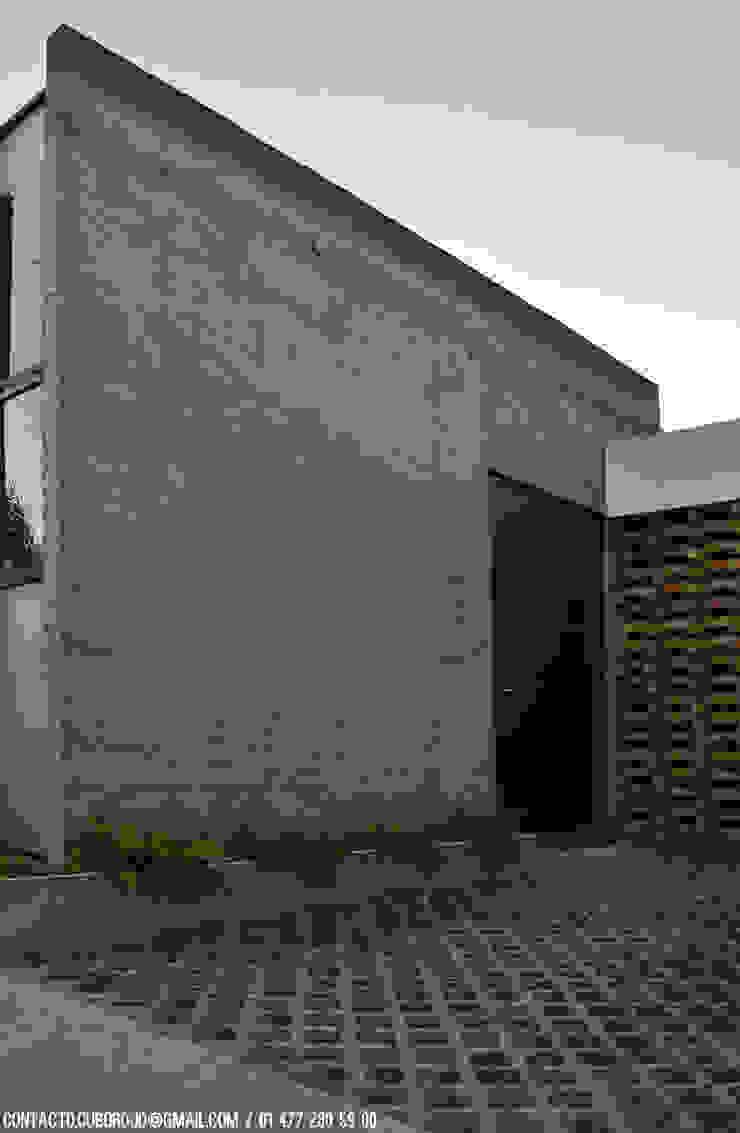 CASA VG Casas modernas de CUBO ROJO Arquitectura Moderno