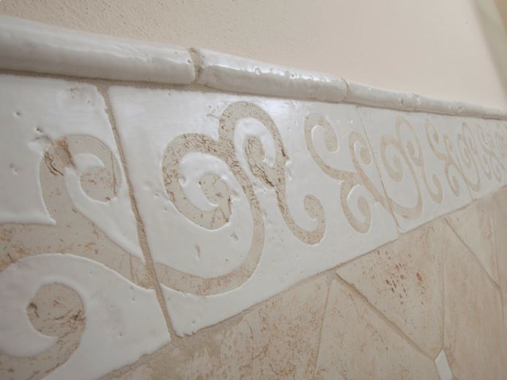 Handmade terracotta: Product of passion - Wall tiling Mediterrane bars & clubs van Terrecotte Europe Mediterraan Tegels