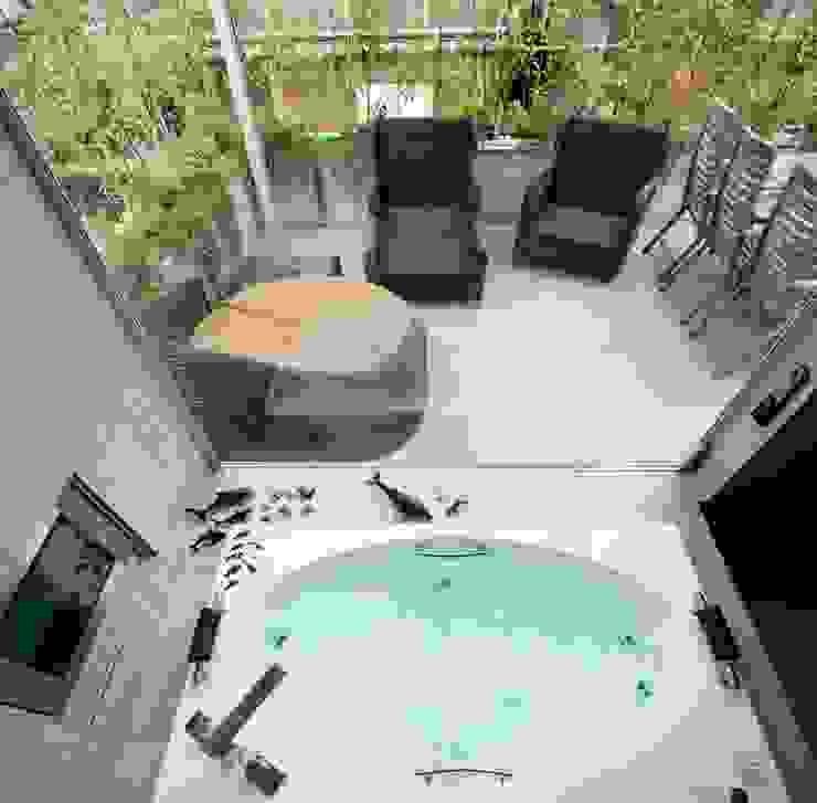 高輪台 建築家志望だった施主と協働して理想の住まいづくり House in Urban Setting 01 JWA,Jun Watanabe & Associates モダンスタイルの お風呂