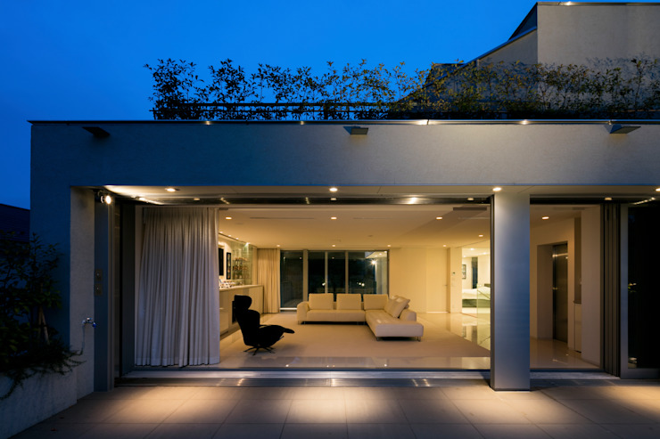 Modern Terrace by JWA,Jun Watanabe & Associates Modern