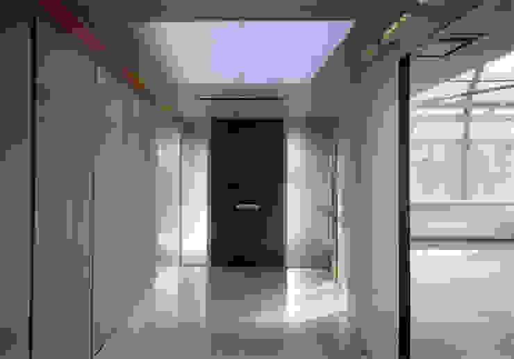 名古屋丘の上、フェラーリに憧れクールに住まう House in Urban Setting 02 JWA,Jun Watanabe & Associates