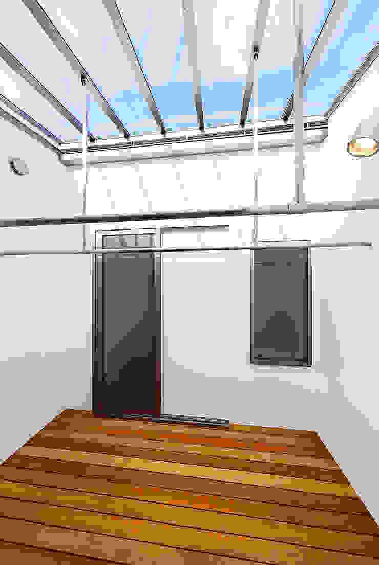 Konservatori Gaya Skandinavia Oleh 一級建築士事務所haus Skandinavia Kayu Wood effect