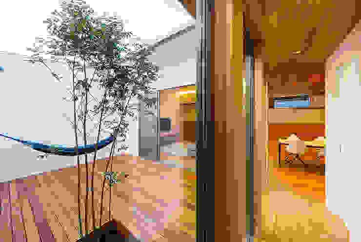 Koridor & Tangga Gaya Skandinavia Oleh 一級建築士事務所haus Skandinavia Kayu Wood effect