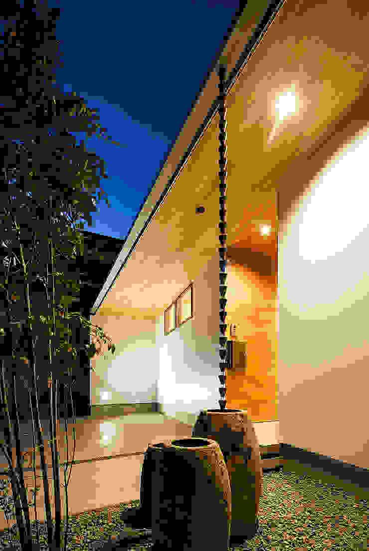 Oleh 一級建築士事務所haus Skandinavia Kayu Wood effect