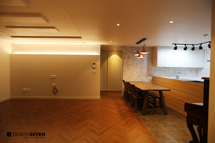 modern  by 디자인세븐, Modern Engineered Wood Transparent