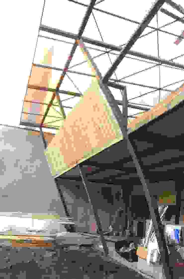 Estructuras de Acero Balcones y terrazas modernos de corner Moderno