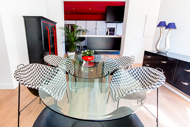 VILLA BORDEAUX Artigues: Salle à manger de style  par Julie Chatelain, Moderne