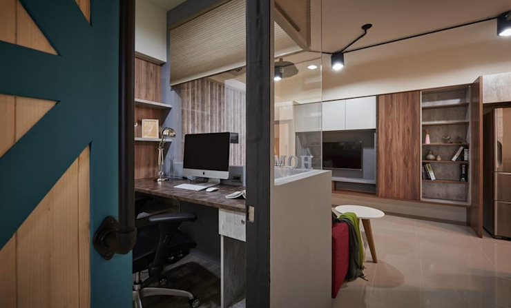 Modern Study Room and Home Office by 勁懷設計 Modern
