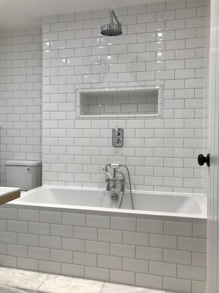 Southolm Street, Wandsworth, London Classic style bathroom by Zebra Property Group Classic