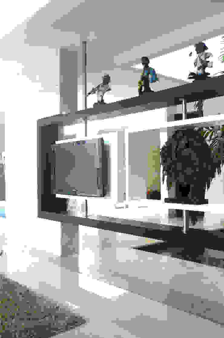 Casa Vega aruachan Salas multimedia de estilo minimalista de mínimal arquitectura Minimalista
