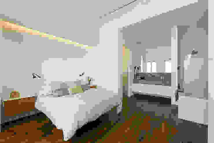 根據 Alejandro Giménez Architects 現代風 木頭 Wood effect