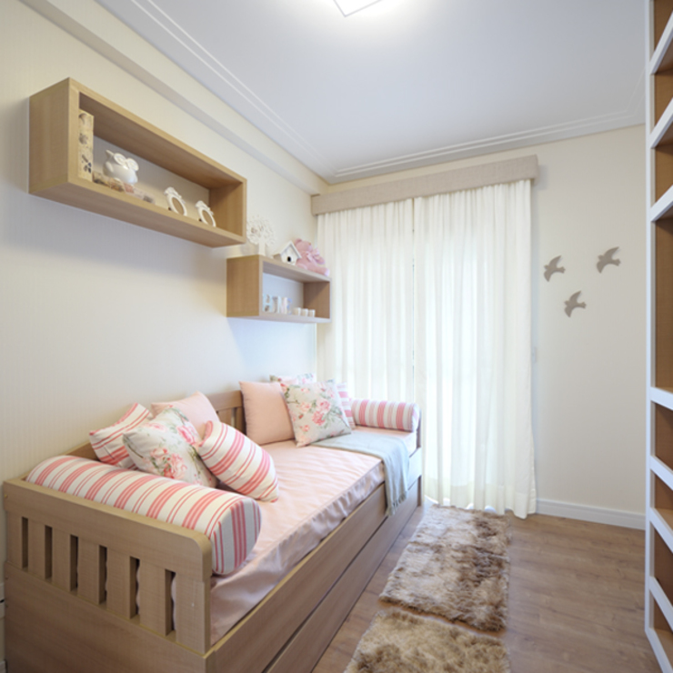 Aline Dinis Arquitetura de Interiores Cuarto para niñas Madera Acabado en madera