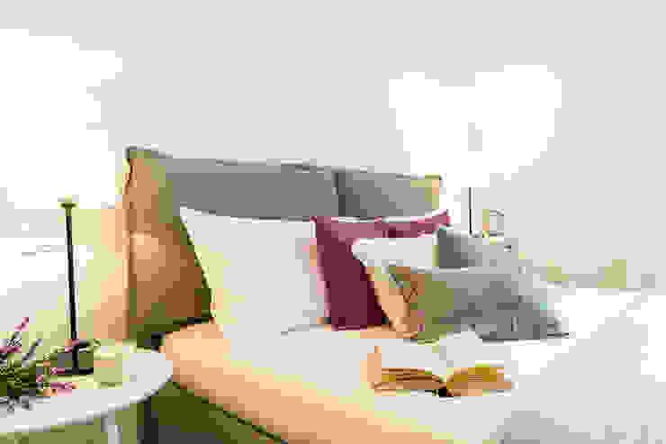 MINIMAL   Laboratorio d'Interni Modern style bedroom Beige